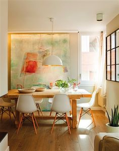 No More Mistakes with Your Dining Room Chandeliers! Old Chairs, Vintage Design, Dining Room Design, Interior Design Inspiration, Home Living Room, Feng Shui, Decoration, Interior Decorating, Sweet Home