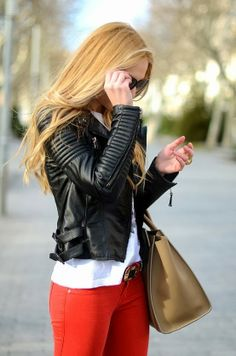 All Black Leather Jacket With Skinny Jeans and Handbag