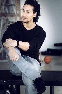(103) Innoxent Talha Indian Celebrities, Bollywood Celebrities, Bollywood Actress, Tiger Love, Indian Star, Glamour World, Tiger Shroff, Actors Images, Akshay Kumar