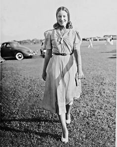 Edith Beale....Grey Gardens daughter... quite the story of her and her mom and their life in the Hamptons.