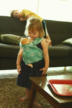 baby wearing baby, too cute Little People, Little Ones, Little Girls, Cute Kids, Cute Babies, Baby Kids, Baby Baby, Mei Tai, Attachment Parenting
