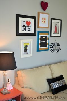 Glam Gold NYC gallery wall for teen girl room #homedecor #gallerywall