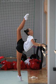Daria Kondakova stretching Rhythmic Gymnastics