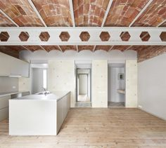 facing north with gracia: Architectural Dimorphism | Casa Tomás in Barcelona