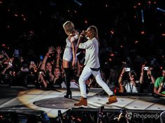 """Taylor Swift and Fetty Wap performing """"Trap Queen"""" in Seattle on the 1989 Tour! Trap Queen, 1989 Tour, Taylor Swift, Evolution, Seattle, Tours, Concert, Concerts"""