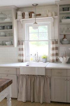 Affordable farmhouse kitchen ideas on a budget (43)