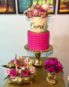 """Tábita Cintra on Instagram: """"Nossas Pocket sempre com os lindos e deliciosos bolos da @samiraprazerescakedesign decorados com flores nobres naturais com muito amor e…"""" Barbie Birthday, Barbie Party, 40th Birthday, Birthday Parties, Dessert Bar Wedding, Wedding Desserts, Wedding Cakes, Havanna Party, Artist Cake"""
