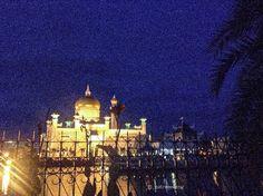 Bandar Seri Begawan, Taj Mahal, Building, Travel, Viajes, Buildings, Destinations, Traveling, Trips