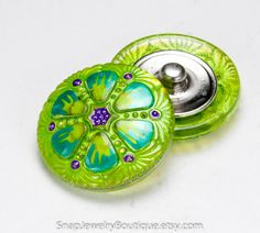 Snap button 27mm Czech glass lime green by SnapJewelryBoutique