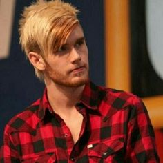 Colton Dixon should of won American idol. He was like the best one there!! And when I saw him in concert he was really good live too!