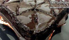 Bol Soslu Çikolatalı Pasta Tarifi
