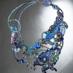 Photo from simona_rotaris Ribbon Jewelry, Tatting Jewelry, Bead Embroidery Jewelry, Enamel Jewelry, Beaded Embroidery, Jewelry Crafts, Jewelry Art, Beaded Jewelry, Handmade Jewelry