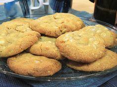 Cookies med vit choklad och macadamianötter | Recept.nu