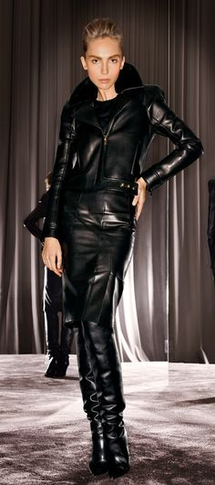 Blog post at FULL TIME FORD™ :   A few week ago we were treated to a video of the new TOM FORD Fall/Winter 2012 Womenswear collection. I don't know about you, but I stil[..]