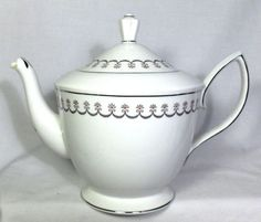 BEAUTIFUL-ROYAL-ALBERT-STARFIRE-5-CUP-TEAPOT
