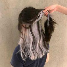 Two Color Hair, Hair Color Streaks, Hair Dye Colors, Hair Highlights, Trendy Hair Colour, Winter Hair Colors, Hair Color Ideas For Black Hair, Korea Hair Color, Hair Colour Ideas