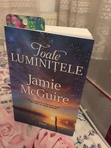 Toate luminițele de Jamie McGuire Jamie Mcguire, Book Challenge, Books To Read, Reading, Reading Books, Reading Lists