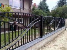 Image result for ogrodzenia kute Fence Gate Design, Modern Fence Design, Steel Gate Design, House Gate Design, Fence Art, Front Yard Fence, Farm Fence, Fenced In Yard, Bamboo Fence