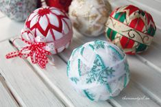 make your own quilted ball Christmas ornaments