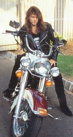 Jon Bon Jovi - Harley-Davidson Motorcycle The road trip (and wife) that brought him back from the brink. Thank you, Dorethea! Jon Bon Jovi, Bon Jovi 80s, Rock And Roll, Pop Rock, Axl Rose, Hard Rock, Bon Jovi Pictures, Bon Jovi Always, Rock Legends