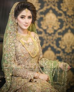Pakistani bridal makeup 2019 44 ideas for 2020 Asian Wedding Dress Pakistani, Pakistani Bridal Makeup, Bridal Mehndi Dresses, Pakistani Wedding Dresses, Bridal Outfits, Bridal Lehenga, Bride Dresses, Indian Dresses, Pakistan Bride