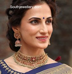 Are you curious about indian gold jewelry, gold jewelry indian, including indian jewelry headpiece,.Learn more at the web click the link for further info Gold Wedding Jewelry, Gold Jewelry Simple, Bridal Jewelry, Silver Jewelry, Indian Jewellery Design, Jewelry Design, Fashion Jewellery, Handmade Jewellery, Headpiece Jewelry