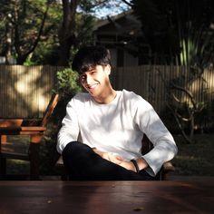 Asian Boys, Asian Men, Male Models Poses, Men Kissing, Arch Model, I Luv U, Thai Drama, Handsome Faces, Asian Actors