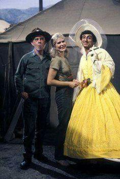Colonel Potter, Margaret and Klinger.
