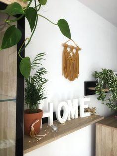 Makrama, dekoracja ścienna, zawieszka MINI 9648095985 - Allegro.pl Macrame, Wreaths, Modern, Home Decor, Trendy Tree, Decoration Home, Door Wreaths, Room Decor, Deco Mesh Wreaths