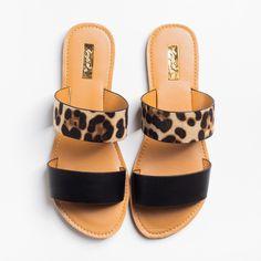 Cute Sandals, Cute Shoes, Women's Shoes Sandals, Me Too Shoes, Slide Sandals, Sandal Heels, Summer Sandals, Shoes For Summer, Flats