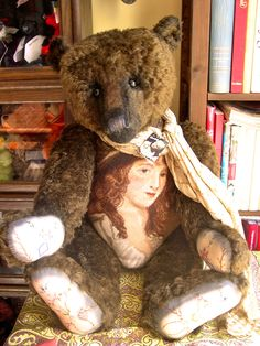 Portobello Bear Company - Confidante of an English Lady - Handmade in 2006 by Amy Goodrich - OOAK