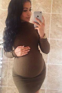 Read Femme enceinte from the story Book photo by tunisienneuuuh (PRINCESS 216 🇹🇳👑) with reads. Pregnancy Goals, Pregnancy Outfits, Pregnancy Photos, Stylish Maternity, Maternity Wear, Maternity Fashion, Maternity Style, Baby Bump Style, Mommy Style