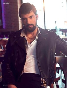 Turkish actor Engin Akyurik is preparing to return to his audience with a new series «The daughter of the ambassador/Sefirin Kızı. Upcoming Series, New Series, Turkish Men, Turkish Actors, Life Magazine, Best Actor, First Love, Two By Two, Daughter