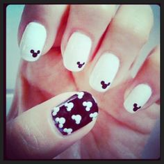 Mickey Mouse nail art! #retro #vintage #nails #disney    Feeling nostalgic? Then head on over to doyouremember.com