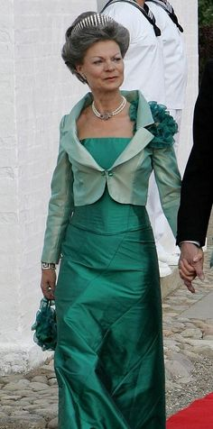 Royal Jewels of the World Message Board: Queen Alexandrine meander brooch Royal Crown Jewels, Royal Crowns, Royal Tiaras, Denmark Royal Family, Danish Royal Family, Princess Alexandra, Princess Elizabeth, Gala Gowns, Catherine The Great