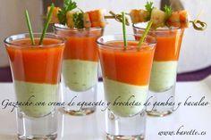 Gazpacho con crema de aguacate.