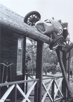 I'm pretty sure when the driver woke up that morning, ending up on a roof wasn't part of his plan for the day...