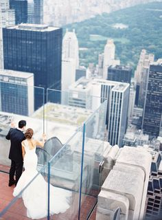 Two drifters, off to see the world | Top of the Rock | New York City | Photo by Jen Huang (jenhuangblog.com)
