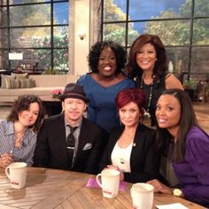 Photo: The very dapper @DonnieWalberg w/ #TheTalk hosts on set!