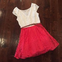 Girly Girl Dress with Belt B. Darlin, size 11/12, comes with belt, v neck line in the back, one belt loop loose as shown, zips in the back B. Darlin Dresses
