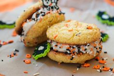 Cake mix frozen sandwich cookies | ARCTIC ZERO | The Pioneer of Fit Frozen Desserts