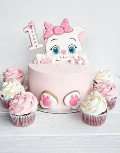 Birthday cake baby girl cat 59 ideas for 2019 Pretty Cakes, Cute Cakes, Fondant Cakes, Cupcake Cakes, Birthday Cake For Cat, Animal Cakes, Drip Cakes, Occasion Cakes, Love Cake