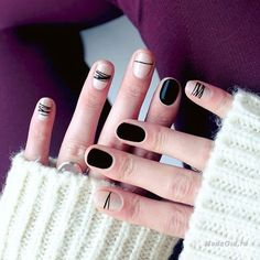 Simple Line Nail Art Designs You Need To Try Now line nail art design, minimalist nails, simple nails, stripes line nail designs Minimalist Nails, Black Nails, White Nails, Nail Art Blanc, Nail Art Designs, Super Nails, Diy Nails, Manicure Ideas, Nails Inspiration