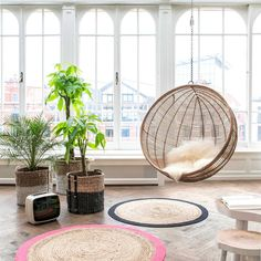 Hanging Rattan Bowl Chair in Natural Living Room Plants, Living Room Seating, Living Room Chairs, Dining Room, Living Room Scandinavian, Scandinavian Style, Ball Chair, Chair Swing, Rocking Chair