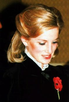 1984-11-10 Diana at the Royal Albert Hall for the Royal British Legion's Festival of Remembrance