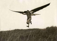 Bird man; the flying apparatus of Ellyson, a mechanic from Munich. Germany, 1932