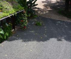 O Ecopavimento pode ser instalado com grama ou brita.