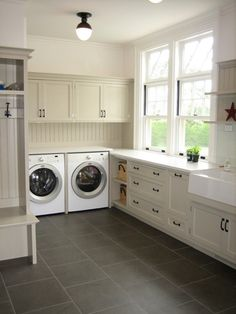I love this Laundry Room!!!!