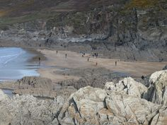 A hidden gem just around the corner from the main Woolacombe Beach (Combesgate Beach)