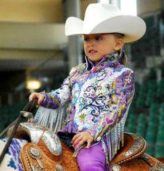 oh my goodness what a doll! too bad i will not force my child to show western pleasure (no offense friends) Little Cowgirl, Cowgirl Hats, Cowboy And Cowgirl, Cowgirl Style, Cowgirl Fashion, Western Show Clothes, Horse Show Clothes, Horse Clothing, Western Pleasure Horses